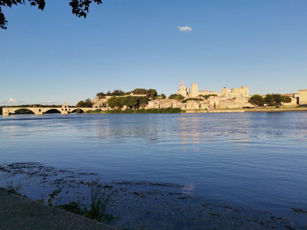 Avignon, ville aux trois clés